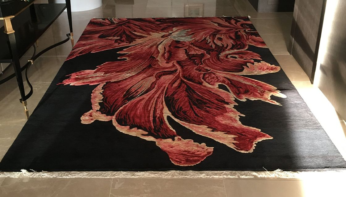 Parrot Tulip, a unique rug commission